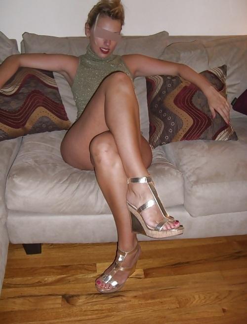 coquine sans culotte salope cum