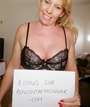 Femme Cougar sexy à Paris